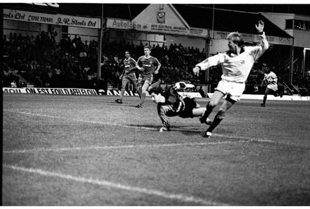 Swansea-Monaco 1991 - Andy Legg scores